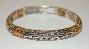 Diamond Pattern Stretch Scroll Bracelet