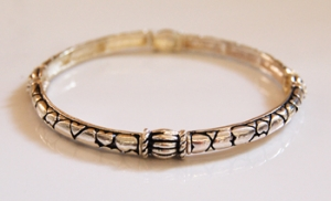Silvertone Patterned Stretch Bracelet