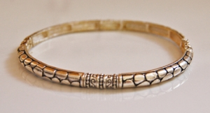 Silvertone Stretch Bracelet w/ Snake Skin Etching Around
