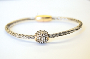 Silvertone Ball w/ Magnetic Clasp Cable Bracelet