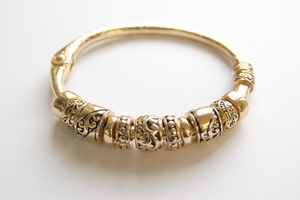 Ambrosia Goldtone 3 Charm Bracelet with Magnetic Clasp