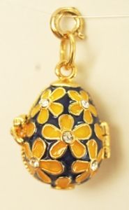 Large flower pattern with cz center, Pendant/Locket Measures 1 inch tall